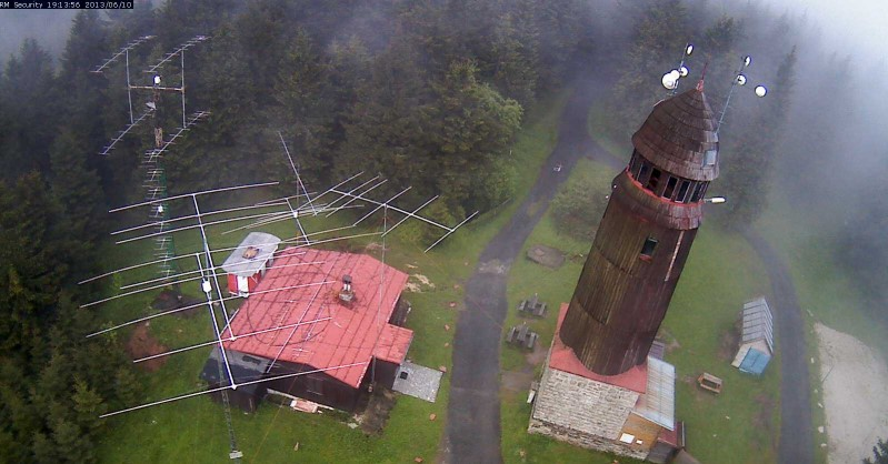 Webcam View from the Radio Tower of Blatenský vrch. Antennas from OL7C