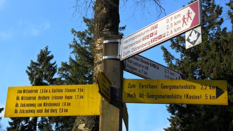 "Am Wegekreuz ""Karlsplatz"""