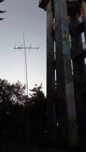 Antenne am Bauzaun
